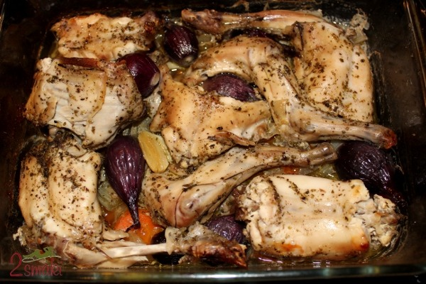 Friptura de iepure marinat cu legume, la cuptor