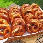 Covrigi bavarezi (nemtesti) – reteta simpla