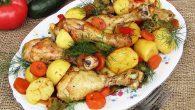 Ciocanele de pui cu cartofi noi la cuptor