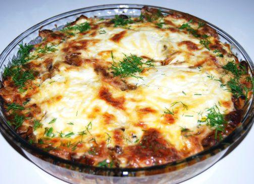 Musaca cu oua, ciuperci, branza si cartofi